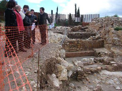 El Alcalde destaca que las excavaciones arqueológicas en el castillo confirman a Lorca como referente europeo de la cultura judía