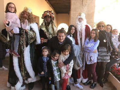 Los Reyes Magos llegan a Lorca arropados por miles de lorquinos que esperan con mucha ilusión su Cabalgata de esta tarde