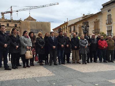 El Ayuntamiento de Lorca guarda un minuto de silencio por el tr�gico accidente a�reo registrado ayer
