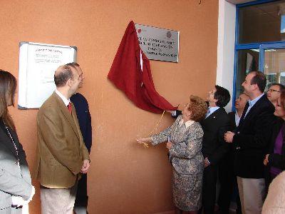 El Alcalde de Lorca descubre la placa que da el nombre de ?Maruja Sastre Fernández? al edificio de Educación Infantil del Colegio Alfonso X