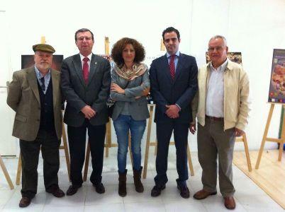 El Ayuntamiento de Lorca y el Liceo Lorquino promocionan en Almería la Semana Santa lorquina con los carteles participantes en el concurso para 2014