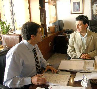 El Alcalde concede 31.000 euros para colaborar con la Federación De Moros, Judíos y Cristianos para la realización de las fiestas patronales de San Clemente