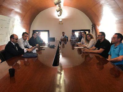 Ayuntamiento y CARM mantienen un encuentro con el Comité de Empresa de Coopbox con el objetivo de buscar nuevas vías para el mantenimiento de esta industria local