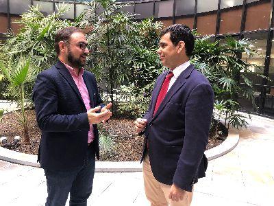 El alcalde mantiene una reunión de trabajo con el consejero de Fomento para tratar de buscar ''una solución definitiva'' a la justificación de las ayudas por los terremotos de 2011