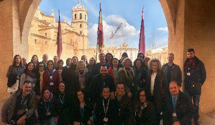 Más de 40 profesionales del Turismo visitan la Colegiata de San Patricio y el Santuario de la Virgen de las Huertas