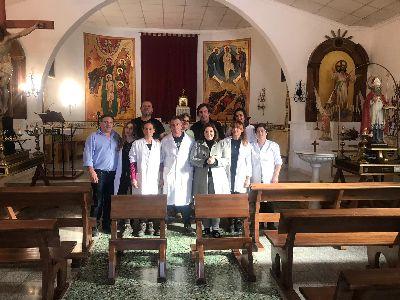 La iglesia de San Nicolás de Bari de Avilés estrena 24 nuevos bancos de madera de pino elaborados por el Taller de Carpintería  de la Concejalía de Desarrollo Local