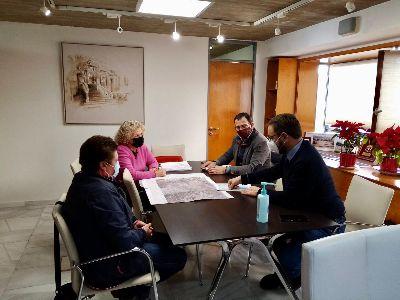 El alcalde de Lorca se reúne con representantes de la Plataforma por la Línea de Alta Tensión Hinojar - Águilas