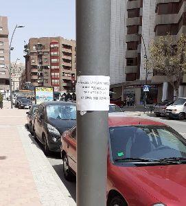 La Policía Local denuncia a una empresa por colocar carteles en lugares no autorizados incumpliendo la ordenanza