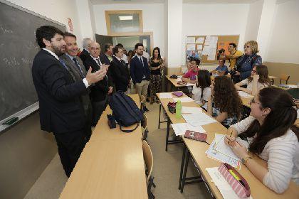 Las mejoras en las zonas deportivas comunes de los institutos Ros Giner e Ibáñez Martín de Lorca beneficiarán a más de 2.000 alumnos