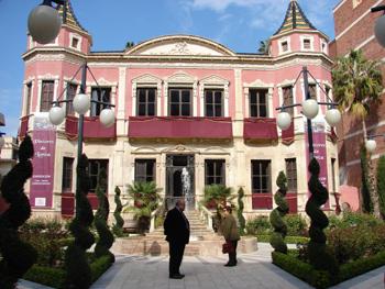 Anoche se inauguró la exposición de artistas lorquinos en el Huerto Ruano